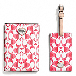 COACH BOXED DREAM C PASSPORT CASE AND LUGGAGE TAG SET - SILVER/WHITE POMEGRANATE/TAN - F77589