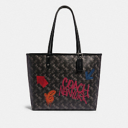 REVERSIBLE CITY TOTE WITH HORSE AND CARRIAGE PRINT - SV/BLACK GREY MULTI - COACH F84226