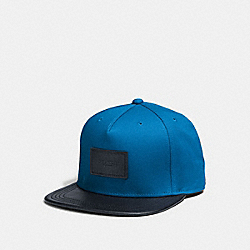 FLAT BRIM HAT IN COLORBLOCK LEATHER - f86475 - DENIM/MIDNIGHT