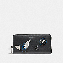 COACH ACCORDION WALLET IN SMOOTH CALF LEATHER WITH VARSITY PATCHES - BLACK - F86765