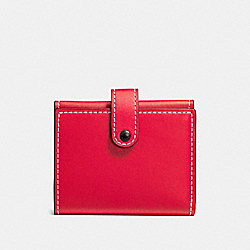 COACH SMALL TRIFOLD WALLET WITH FLORAL PRINT INTERIOR - vermillion/BLACK COppER - F86909