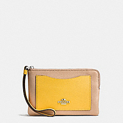 CORNER ZIP WRISTLET IN COLORBLOCK LEATHER - f86924 - SILVER/BEECHWOOD