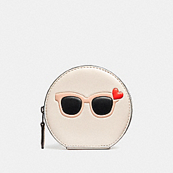 COACH SUNGLASSES ROUND COIN CASE IN GLOVETANNED LEATHER - SILVER/CHALK MULTI - F87220