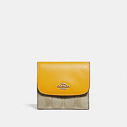 COACH SMALL WALLET IN SIGNATURE CANVAS - LIGHT KHAKI/CANARY/SILVER - F87589