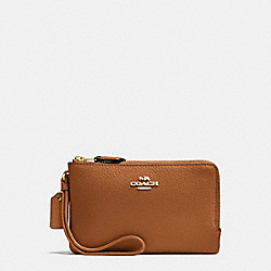 COACH DOUBLE CORNER ZIP WALLET IN POLISHED PEBBLE LEATHER - IMITATION GOLD/SADDLE - F87590