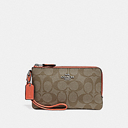 COACH DOUBLE CORNER ZIP WRISTLET IN SIGNATURE CANVAS - KHAKI/ORANGE RED/SILVER - F87591