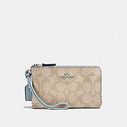 DOUBLE CORNER ZIP WRISTLET IN SIGNATURE CANVAS - LIGHT KHAKI/SEAFOAM/SILVER - COACH F87591