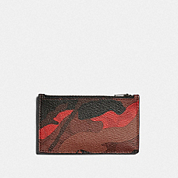 ZIP CARD CASE IN SIGNATURE CANVAS WITH CAMO PRINT - QB/OXBLOOD MULTI - COACH F88267