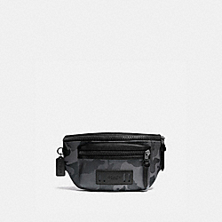 TERRAIN BELT BAG IN SIGNATURE CANVAS WITH CAMO PRINT - QB/GREY MULTI - COACH F89034