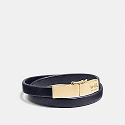 LEATHER DOUBLE WRAP COACH PLAQUE BRACELET - GOLD/NAVY - COACH F90316