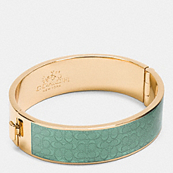 COACH ENAMEL SIGNATURE WIDE HINGED BANGLE - GOLD/SEAGLASS - F90996