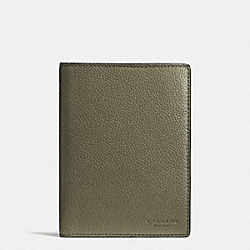 COACH PASSPORT CASE IN REFINED PEBBLE LEATHER - SURPLUS - F93462