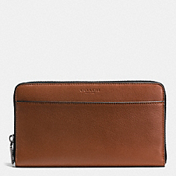 TRAVEL WALLET IN SPORT CALF LEATHER - f93482 - DARK SADDLE