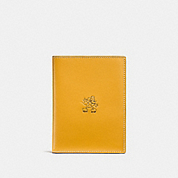 MICKEY PASSPORT CASE - FLAX - COACH F93600