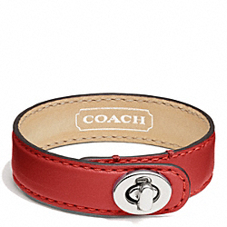LEATHER WRAP TURNLOCK BRACELET - f94165 - SILVER/VERMILLION