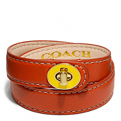 COACH DOUBLE WRAP ENAMEL TURNLOCK BRACELET - BRASS/VERMILLION - F96861