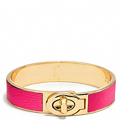 COACH HALF INCH HINGED SAFFIANO LEATHER TURNLOCK BANGLE - BRASS/PINK RUBY - F99864