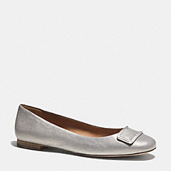 COACH UNIQUE FLAT - PEWTER - Q3031