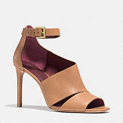 COACH MANHATTAN HEEL - GINGER - Q4657