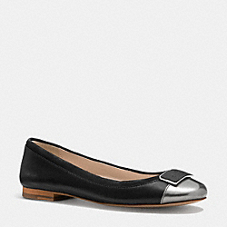 COACH ULMA FLAT - BLACK/ANTHRACITE - Q6151