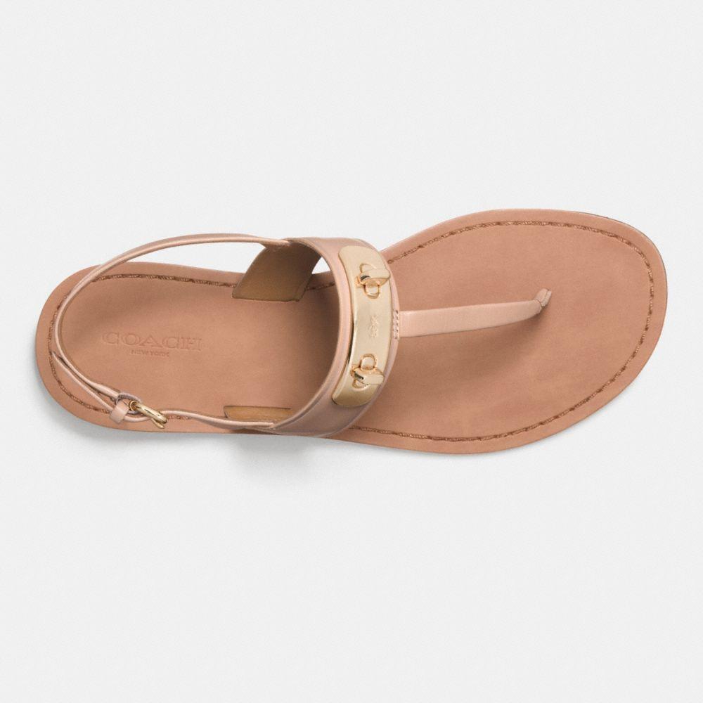 Gracie Swagger Sandal - Alternar vistas L1