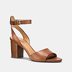 COACH PIPHER HEEL - SADDLE - Q8103