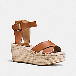 PRIMROSE WEDGE - q8421 - SADDLE