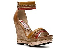 Two Lips Willow Wedge Sandal