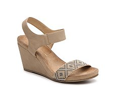 CL by Laundry The Beauty Wedge Sandal