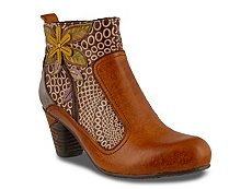 L' Artiste by Spring Step Dramatic Bootie