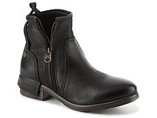 UGG Collection Stella Bootie