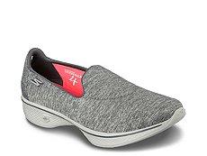 Skechers GOwalk 4 Achiever Slip-On Sneaker