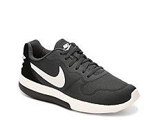 Nike MD Runner 2 LW Sneaker - Womens