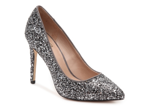 * All-over black and gold sequins * Gold glitter piping trims the black rubber outsole * Fully-lined, cushioned insole Imported. Sizes: US sizes – 11 to 4 Child, to 10 and 11 Adult Width: M Suggested Fitting: Order same as street shoe.