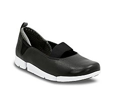 Clarks Tri Step Slip-On Sneaker