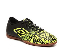 Umbro Grass II Soccer Shoe - Mens