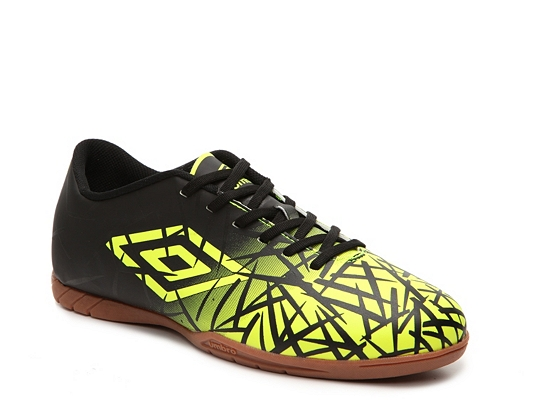 Umbro Grass II Soccer Shoe - Mens
