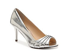 Nina Vesta Metallic Pump
