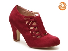 Journee Collection Piper Pump