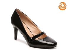 Journee Collection Devi Pump