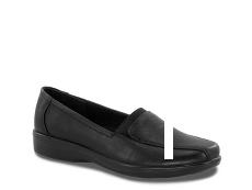 Easy Street Gage Loafer