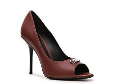 Gucci Leather Nameplate Pump