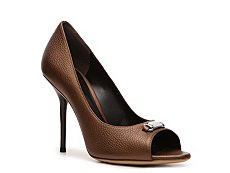 Gucci Metallic Leather Nameplate Pump