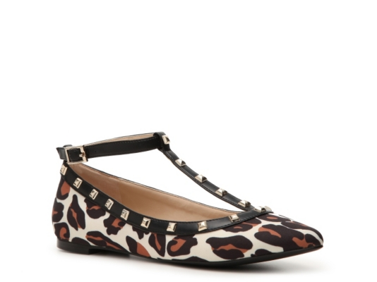Look fabulous in flats with these 12 looks for fall
