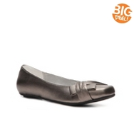 Kenneth Cole Reaction Cool and Quiet Flat