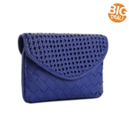 Urban Expressions Beau Woven Clutch