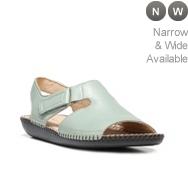 Naturalizer Scout Flat Sandal