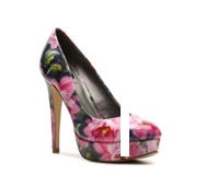 G by GUESS Winna Floral Platform Pump