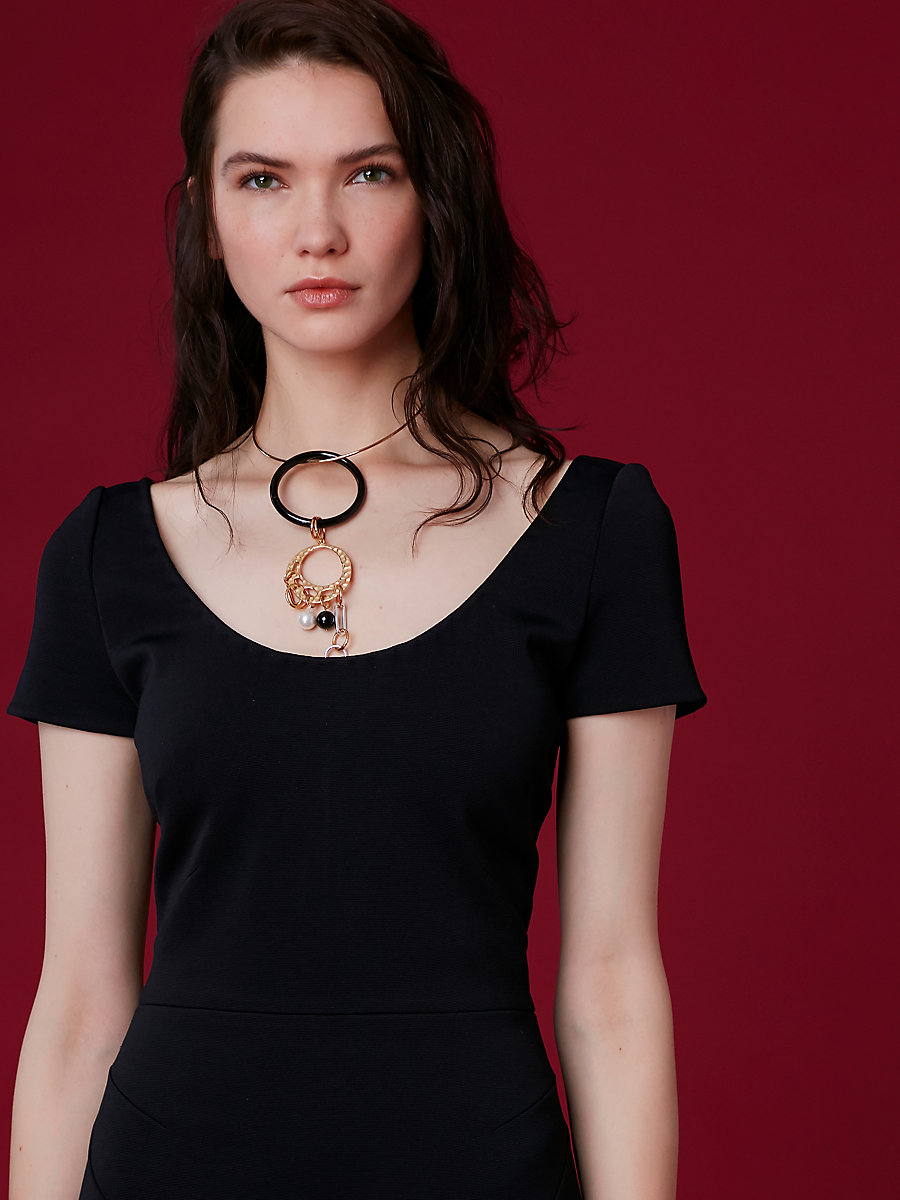 Gold Wire Black Ring Necklace in Black Multi by DVF