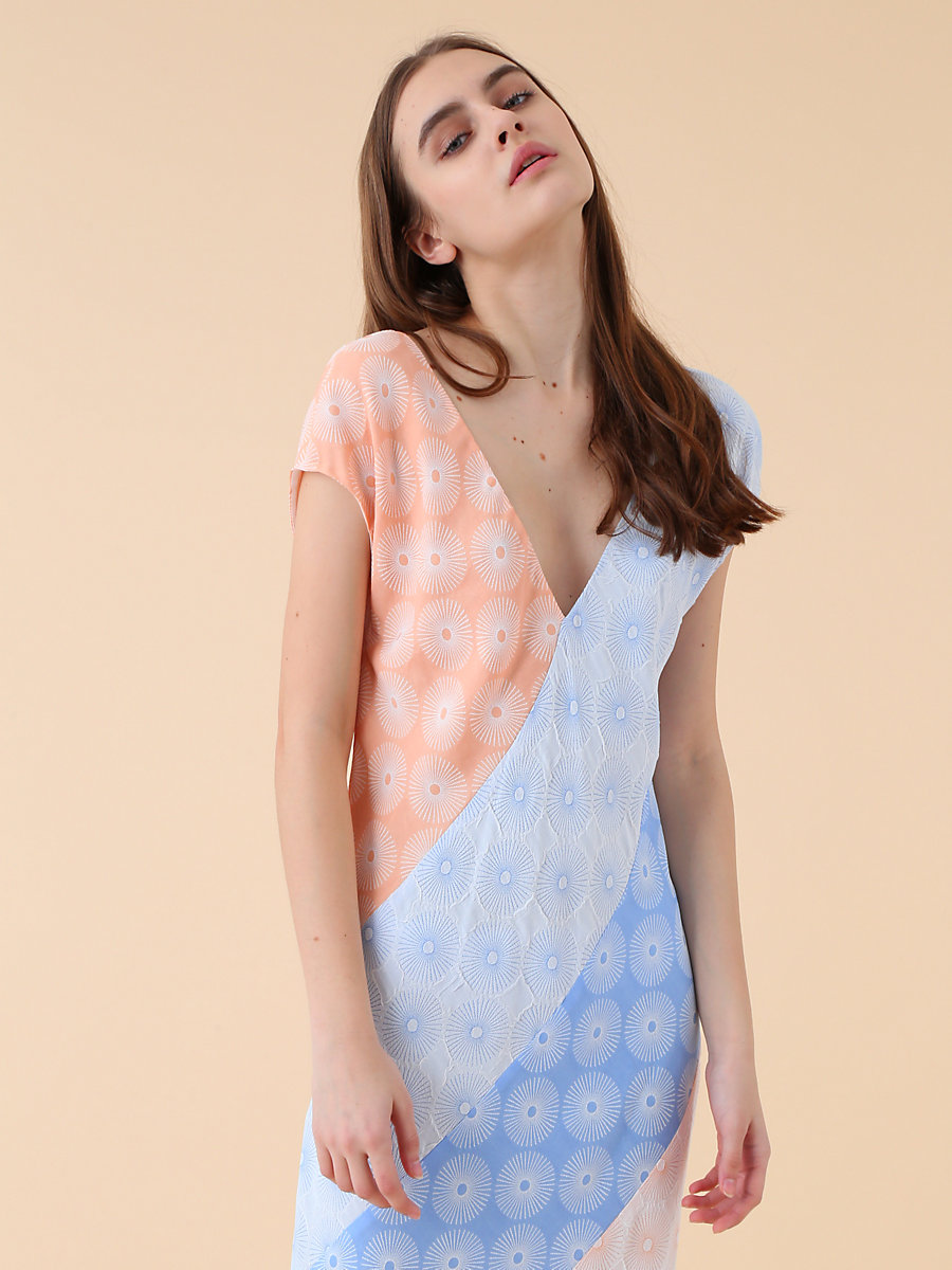 【先行予約 4月下旬お届け予定】Bias Maxi Dress in Hortensia Blue/nectar/ivory by DVF